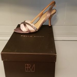 NWT Pelle Moda Women's Inna-St Pewter Formal Heels